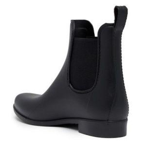 Cougar Celeste Waterproof Chelsea Rain Boot NWOT